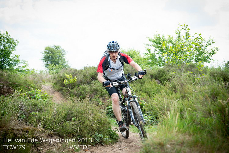 Andrew Spink on mountainbike, Ginkelse Heide
